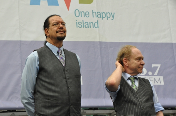 Photos: BROADWAY IN BRYANT PARK 2015 Kicks Off with WICKED, IT SHOULDA BEEN YOU & More!
