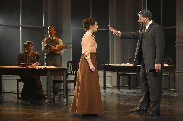 Theresa (Laura D''Andre) and Vincenzo (Zachary Prince) see Sarah (Megan McGinnis) fir Photo