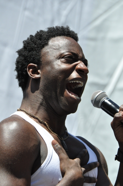 Photo Coverage: Casts of KINKY BOOTS, BEAUTIFUL, PHANTOM & More Perform in Bryant Park