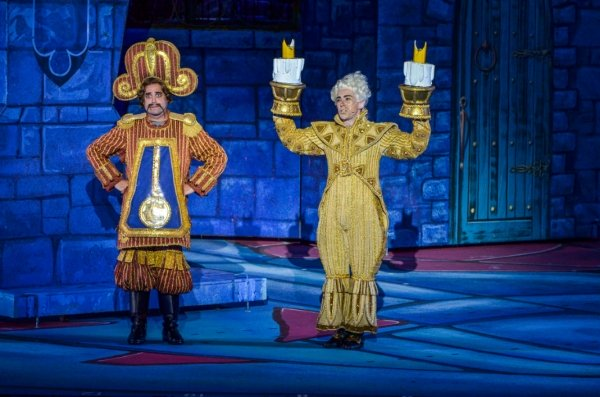 WAKE UP with BWW 7/31/2015 - SPAMALOT at the Bowl, DESCENDANTS and More!
