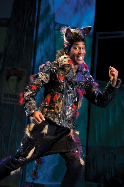 Photo Flash: New Shots from Stiles & Drewe's THE THREE LITTLE PIGS at The Palace