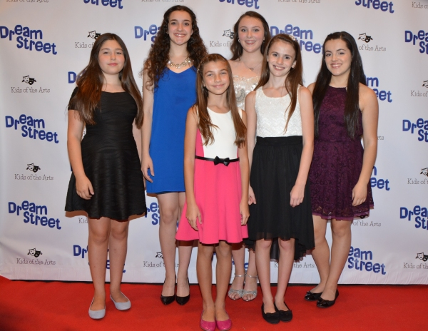 Chloe Wheeler, Melody Munitz, Toleeya Napolitano, Grace Mozitis and Rachael McVey Photo