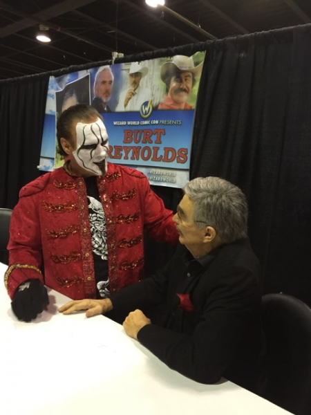 Photos: Burt Reynolds Wows at Wizard World Comic Con