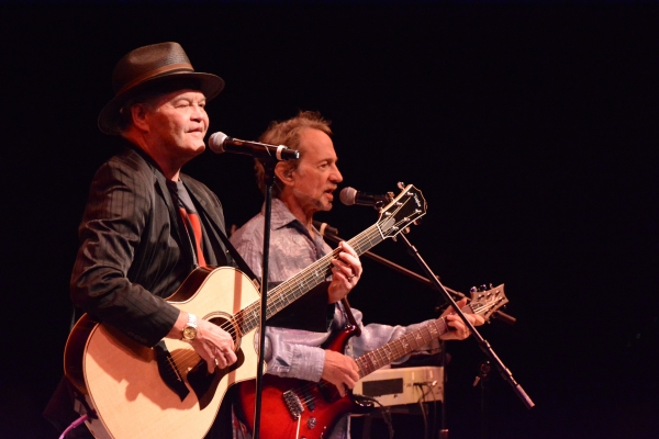 Photo Coverage: Micky Dolenz and Peter Tork of The Monkees Play NYCB Theatre at Westbury