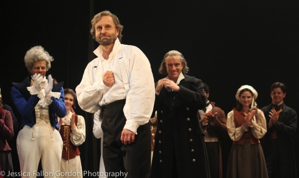 Alfie Boe and the cast