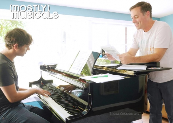 Tod Macofsky rehearses with Greg Nabours Photo