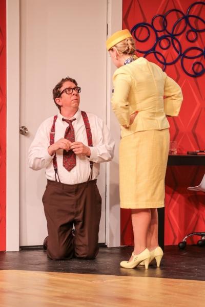 Robert (Robert Alan Barnett), Gretchen (Jana Gueck)