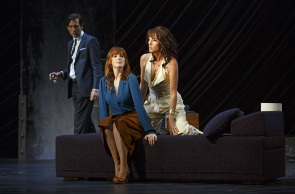 Clive Owen, Eve Best, Kelly Reilly
