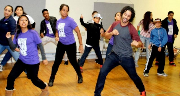 Luis Salgado (ON YOUR FEET! ensemble member) and R.Evolucion Latina campers