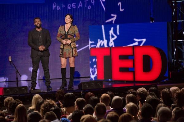 Sara Ramirez and Baratunde Thurston