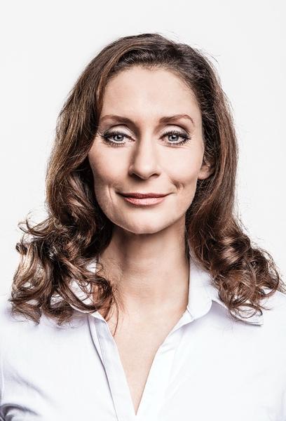 PIA DOUWES as ''Diana Goodman'' Photo