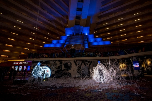 Photo flash blue man group makes grand return to luxor hotel casino - Blue man group box office ...