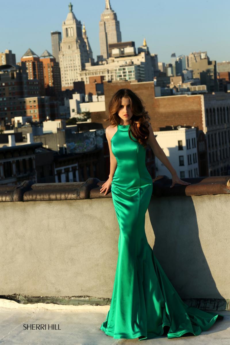 AUSTIN & ALLY Star Laura Marano Collaborates on New Spring 2016 Line