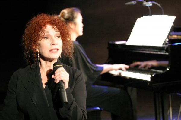 Julia Migenes Photo