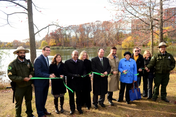 NYC Parks Commissioner Mitchell J. Silver, FAICP, today joined Queens Borough President Melinda Katz, Congresswoman Grace Meng, Assembly Member Edward Braunstein, Council Member Elect Barry Grodenchik and District Manager of Community Board 11 Susan Seinf