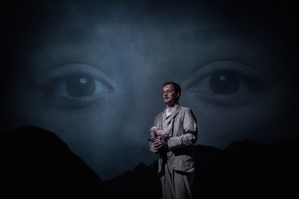 Photos: First Look at Jolyon Coy, Lydia Leonard and More in LITTLE EYOLF at the Almeida