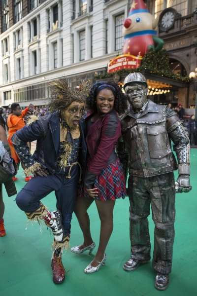 THE 89TH ANNUAL MACY''S THANKSGIVING DAY PARADE -- Pictured: (l-r) Elijah Kelley as Scarecrow, Shanice Williams as Dorothy, Ne-Yo as Tin-Man -- (Photo by: Eric Liebowitz/NBC)
