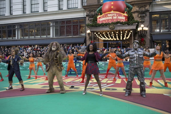 THE 89TH ANNUAL MACY''S THANKSGIVING DAY PARADE -- Pictured: (l-r) Elijah Kelley as Scarecrow, David Alan Grier as The Cowardly Lion, Shanice Williams as Dorothy, Ne-Yo as Tin-Man -- (Photo by: Eric Liebowitz/NBC)