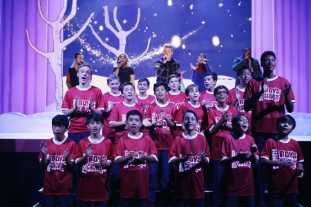 IT''S YOUR 50th CHRISTMAS, CHARLIE BROWN - In celebration of the 50th anniversary of the beloved PEANUTS animated tale, ''A Charlie Brown Christmas,'' Kristen Bell will host a special holiday retrospective, ''It''s Your 50th Christmas, Charlie Brown,'' MO