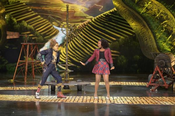 THE WIZ LIVE! -- (l-r) Elijah Kelley as Scarecrow, Shanice Williams as Dorothy -- (Photo by: Virginia Sherwood/NBC)