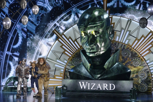 THE WIZ LIVE! -- (l-r) Shanice Williams as Dorothy, Ne-Yo as Tin-Man, Elijah Kelley as Scarecrow -- (Photo by: Virginia Sherwood/NBC)