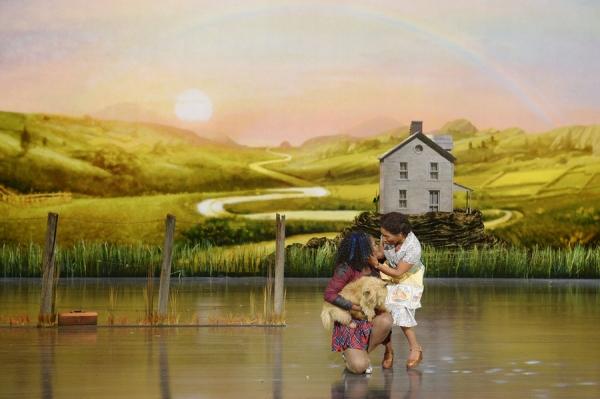 Shanice Williams as Dorothy, Stephanie Mills as Auntie Em -- (Photo by: Virginia Sherwood/NBC)