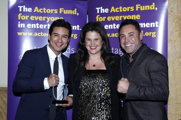 LOS ANGELES - DEC 3: Mario Lopez, Kathleen Cahill, Oscar De La Hoya at the The Actors Fund�¿�s Looking Ahead Awards at the Taglyan Complex on December 3, 2014 in Los Angeles, California