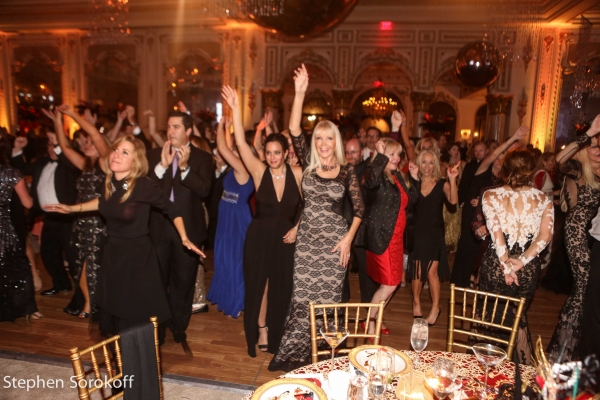 Photo Coverage: Howie Mandel Stars in American Humane Associations LADY IN RED Gala