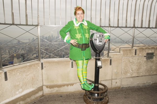 Photo Flash: ELF's Eric Petersen & Veronica Kuehn Visit Empire State Building