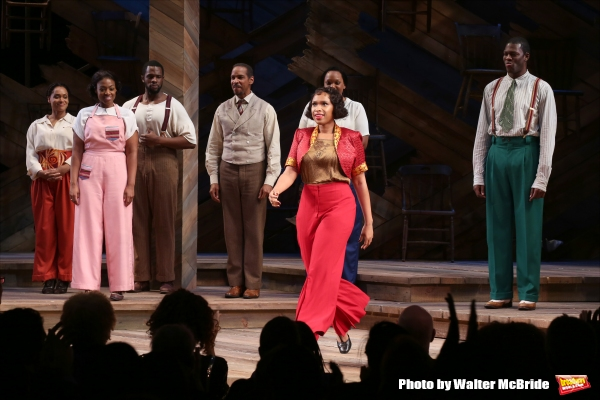 Jennifer Hudson with the cast