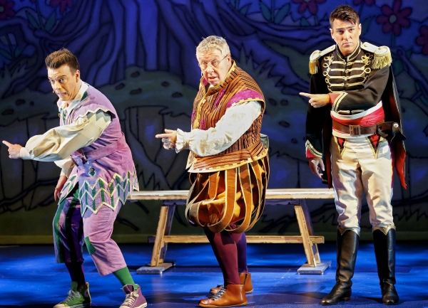 Photo Flash: First Look at SNOW WHITE AND THE SEVEN DWARFS at King's Theatre Glasgow