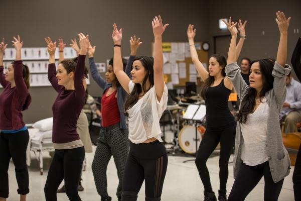 Sophia Garcia (Nora), Helen Cespedes (Xiomara), Danaya Esperanza (Luzmery), Stephanie Andrea Barron (Yolanda), Yunuen Pardo (Jeimi) and Marisol Miranda (Carmen/Tatiana/Elisinda)