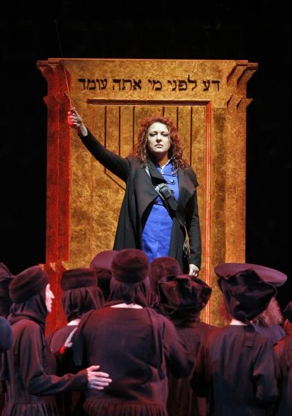 Photo Flash: First Look at Tatiana Serjan, Elizabeth DeShong, and More in Chicago Lyric Opera's NABUCCO