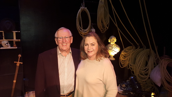 Photo Flash: Kathleen Turner Visits Len Cariou at BROADWAY AND THE BARD
