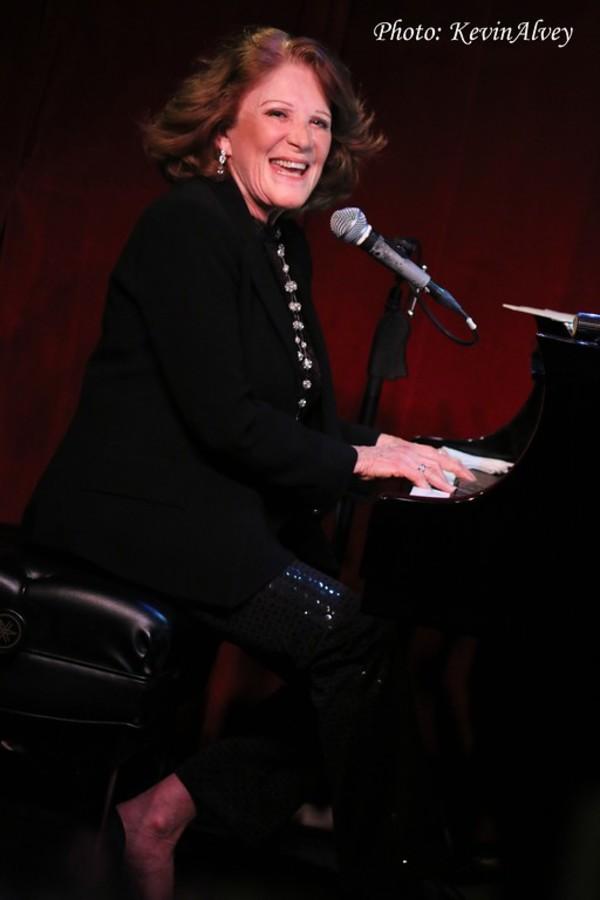 Photo Flash: Linda Lavin Plays Her 'FIRST FAREWELL CONCERT' at Birdland