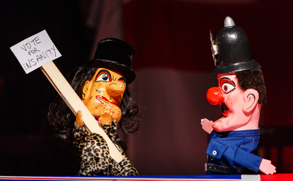 Photo Flash: First Look at MONSTER RAVING LOONY, Opening Tonight at Theatre Royal Plymouth