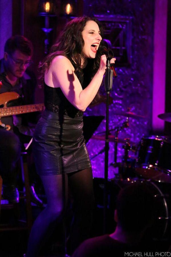 Renee Reinecke singing ''Catch My Breath''