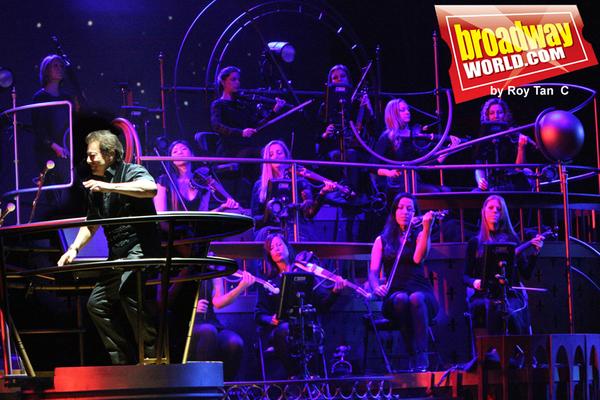 Composer/conductor Jeff Wayne