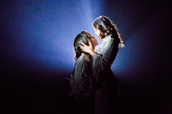 Irina Kavsadze as Juliet, Zana Gankhuyag as Romeo