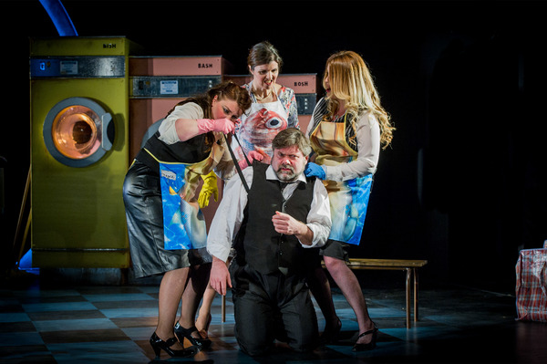 Photo Flash: First Look at Unexpected Opera's THE RINSE CYCLE at Charing Cross Theatre