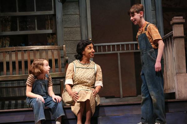Erin Mueller as Scout Finch, Nora Cole as Calpurnia, Harry Franklin as Jem Finch
