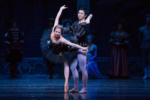 Photo Flash: First Look at Kansas City Ballet's SWAN LAKE, Opening Tonight