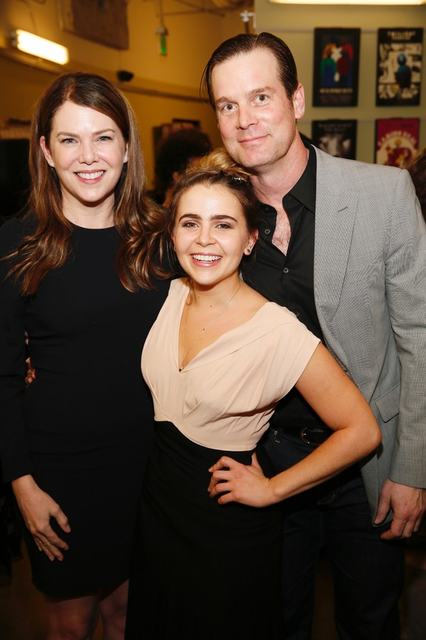 Actress Lauren Graham, Mae Whitman and actor Peter Krause