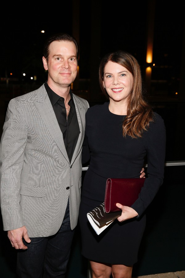 Actors Peter Krause and Lauren Graham