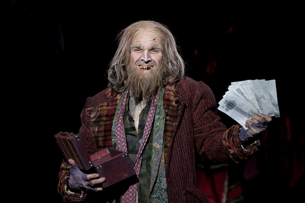 Hugh Panaro in the Walnut Street production of OLIVER!