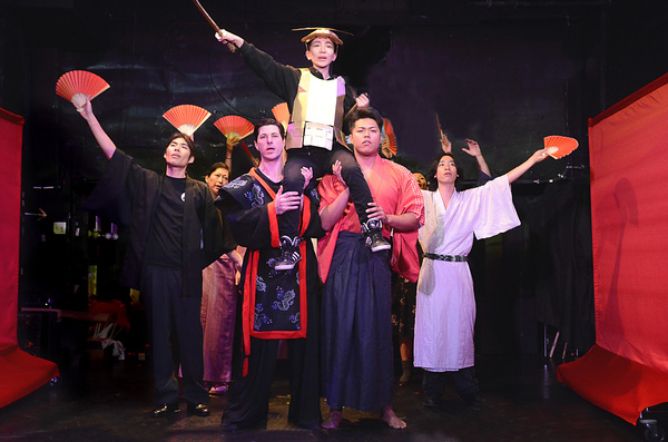 Takaaki Hirakawa,Mika Santoh, Michael Joseph, Miho Ando (center), Ash Ashina, Takuma  Photo