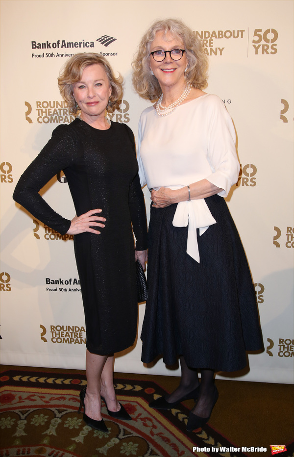 Faye Grant and Blythe Danner  Photo