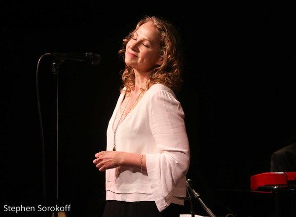 Joan Osborne Photo