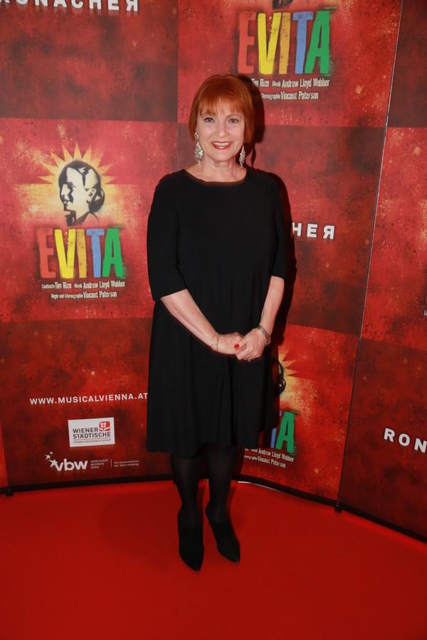 Fotos! Glanzvolle Premiere von EVITA wird am Ronacher Wien