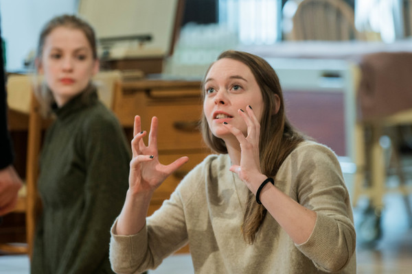 Tess Frazer (Lorna) and Annie Munch (Mary Page Marlowe, age 19)  Photo